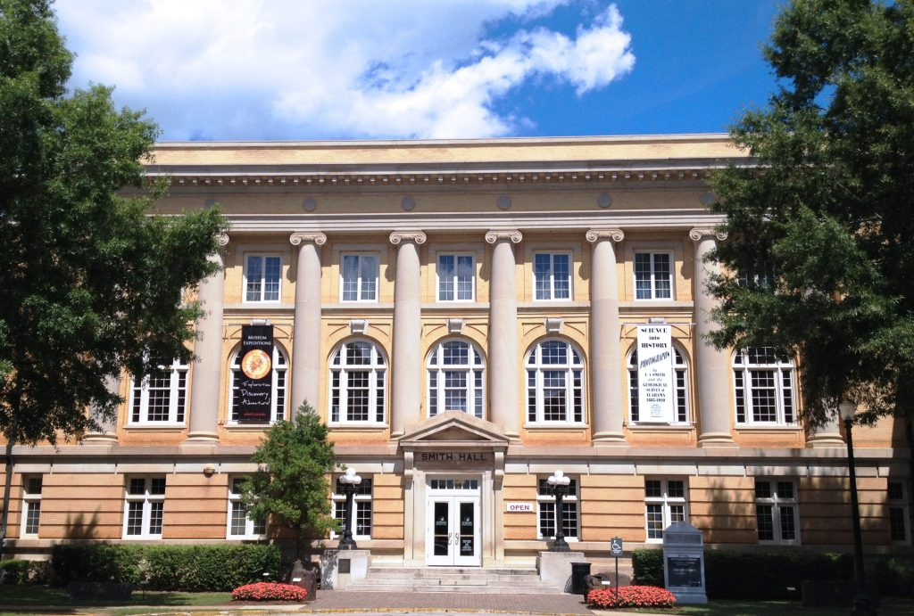 Smith Hall, home of the Alabama Museum of Natural History
